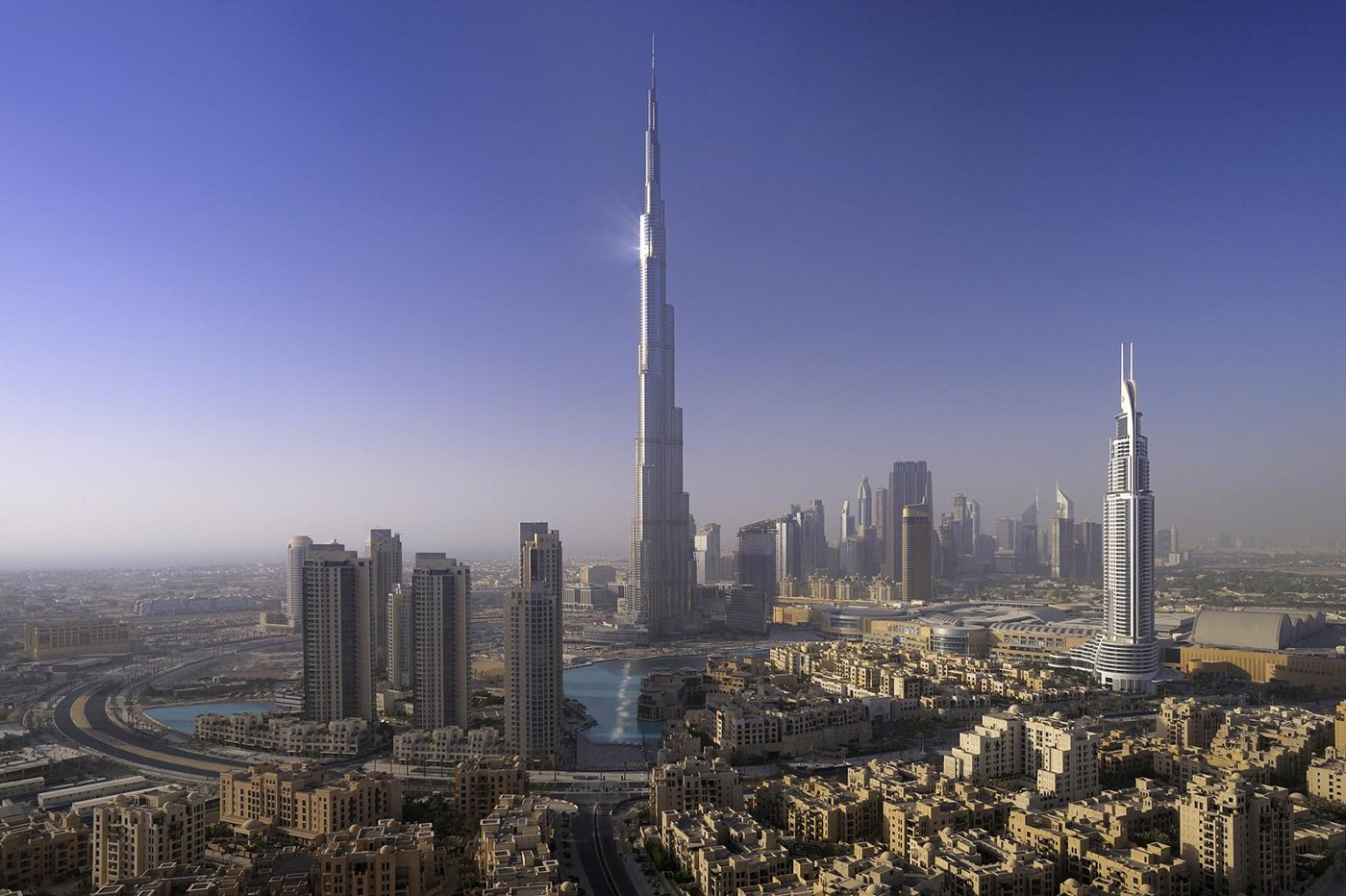 UAE Forgot to Add Adequate Sewage System to World   s Tallest Building    Uae Tallest Building In The World