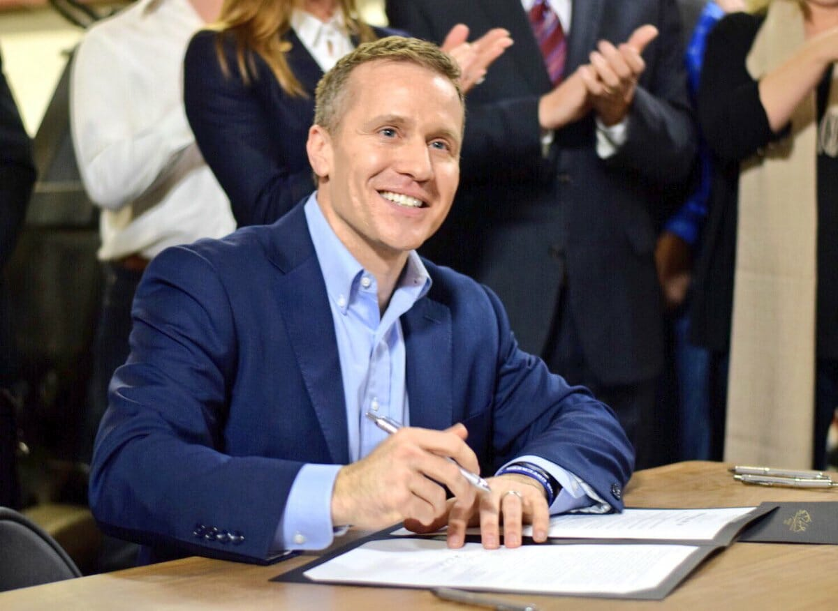Missouri Governor Eric Greitens in Hot Water After Affair – Denies Blackmailing Woman